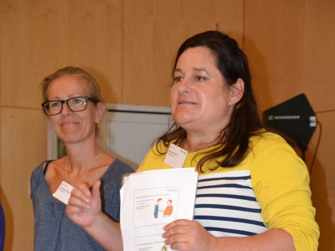 Christine Harnik und Barbara Prietl leiten den Workshop über Partnerschaften
