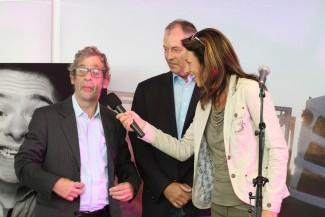 Arie Weiss im Interview mit Vera Russwurm, im Hintergrund Bernhard Schmid