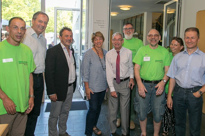 VertreterInnen der Lebenshilfe Wien mit Robert Bacher und Susanne Gabrle vom FSW (3.u.4.v.l.) und Behindertenanwalt Dr. Hansjörg Hofer, (5.v.l.)