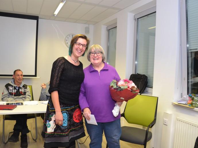 Auch die ehemalige Unterstützerin, Nathalia Postek vom Fonds Soziales Wien, hat mit Heide Abschied gefeiert
