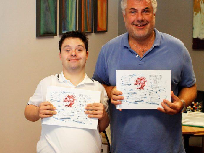 Lucas Albiez und fachlicher Begleiter Peter Mitschitczek mit ihrem ersten Buch