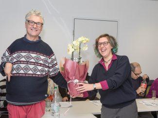Natalia Postek vom Fonds Soziales Wien gratuliert Andreas Marek