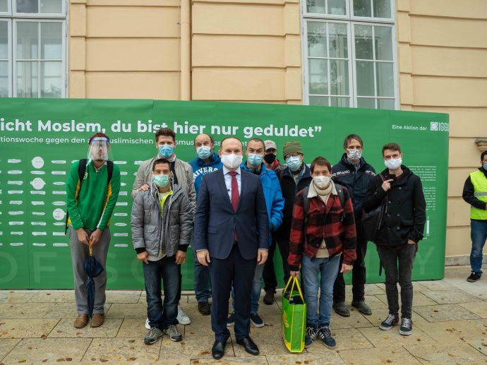 Mit Ümit Vural, Präsident der Islamischen Glaubensgemeinschaft in Österreich (IGGÖ)  vor der